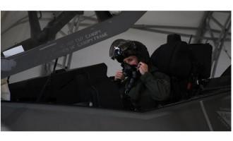 美国众议院要求再次调查F-35战斗机飞行员呼吸系统问题